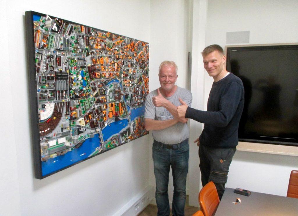 LEGO® modelarbejde/udvidelse af eksisterende design (2015). Her sammen med LEGO medarbejder Jørn Sletting.
